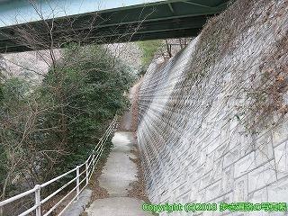 6601-159徳島県三好市徳島自動車道高架下