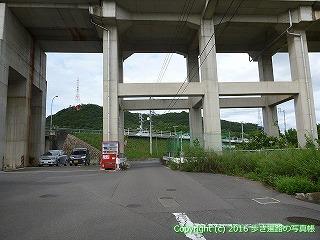 79-016香川県綾歌郡宇多津町JR予讃線高架下