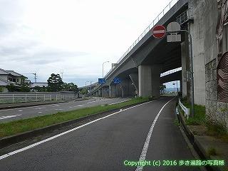 83-042香川県高松市高松自動車道高架下